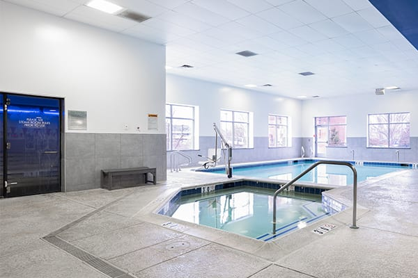 whirlpool and pool at brick bodies gym